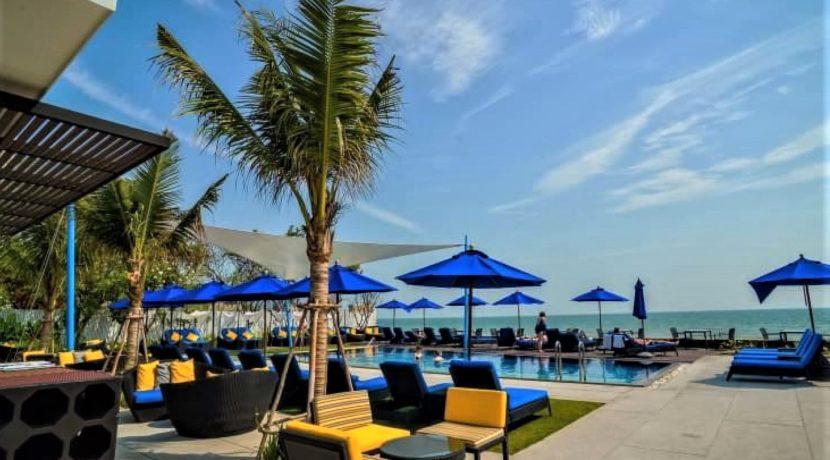 86 Shoreline Beachclub