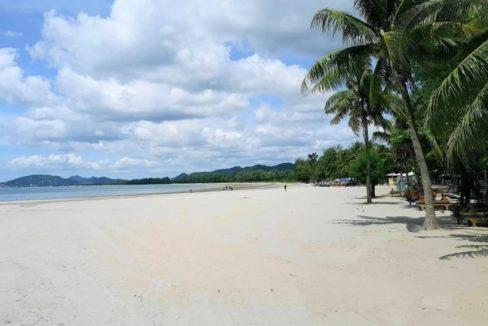 92 Khao Takiab beach southbound