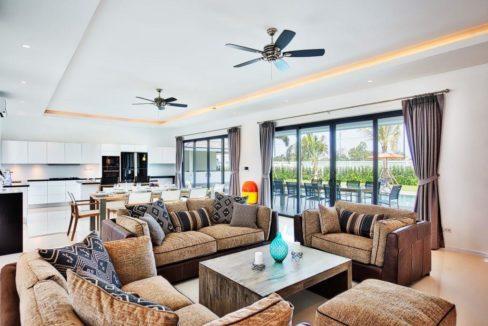 11 Spacious living dining-lounge