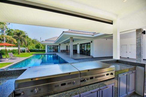 27 Fully fitted Thai-BBQ kitchen (Option)