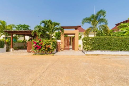 70 Villa entrance