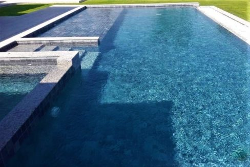 06 6x14 meter pool with wetdeck and jacuzzi
