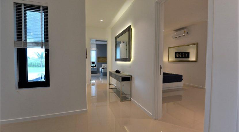 28 Walkway to bedrooms