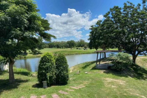 05 View to lake&golf course