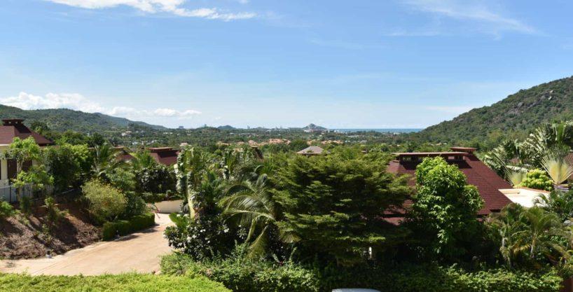 Exclusive Bali-style Sea View Villa at Hua Hin Panorama Resort