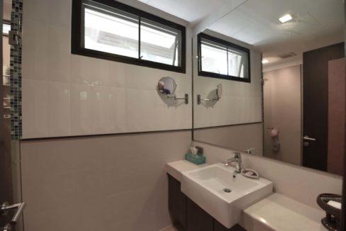 55 Ensuite bathroom #2