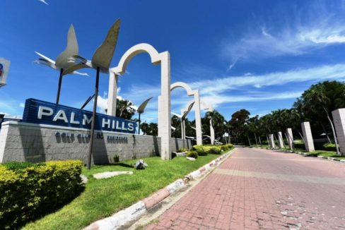 91 Palm Hills Golf Club & Residence