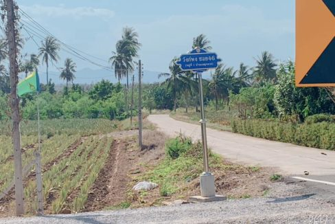 10 Entry road