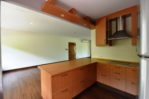 15 Fully fitted open kitchen