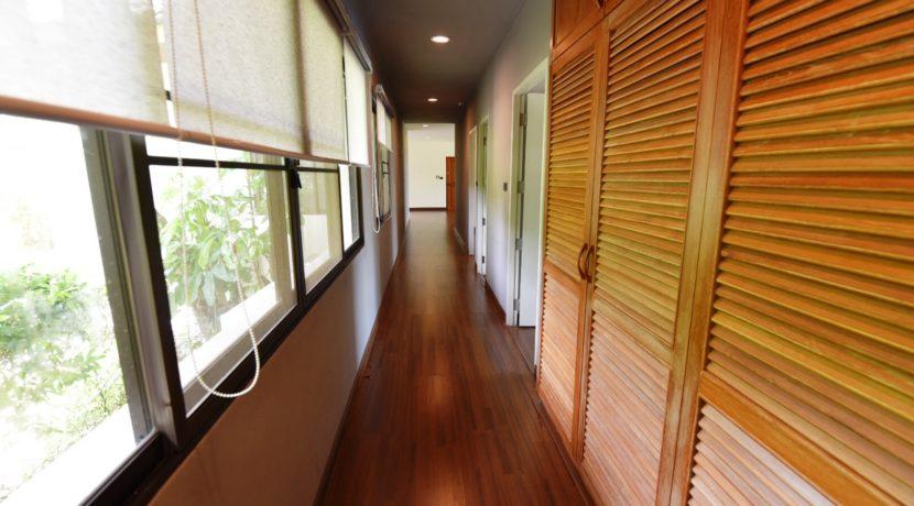 20 Walkway to three bedrooms