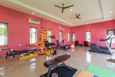 85 Communal fitness room