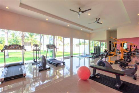 86 Communal fitness room