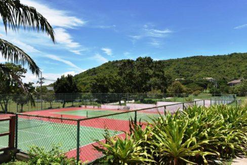 88 Palm Hills Sports Club tennis courts