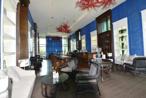 93 Amari Resort Lobby bar