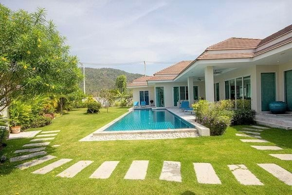 01 Red Mountain Waterside Villa