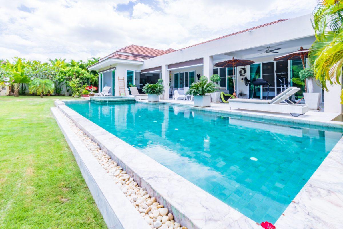Beautiful 4-Bed Pool Villa in Hua Hin with Mountain View