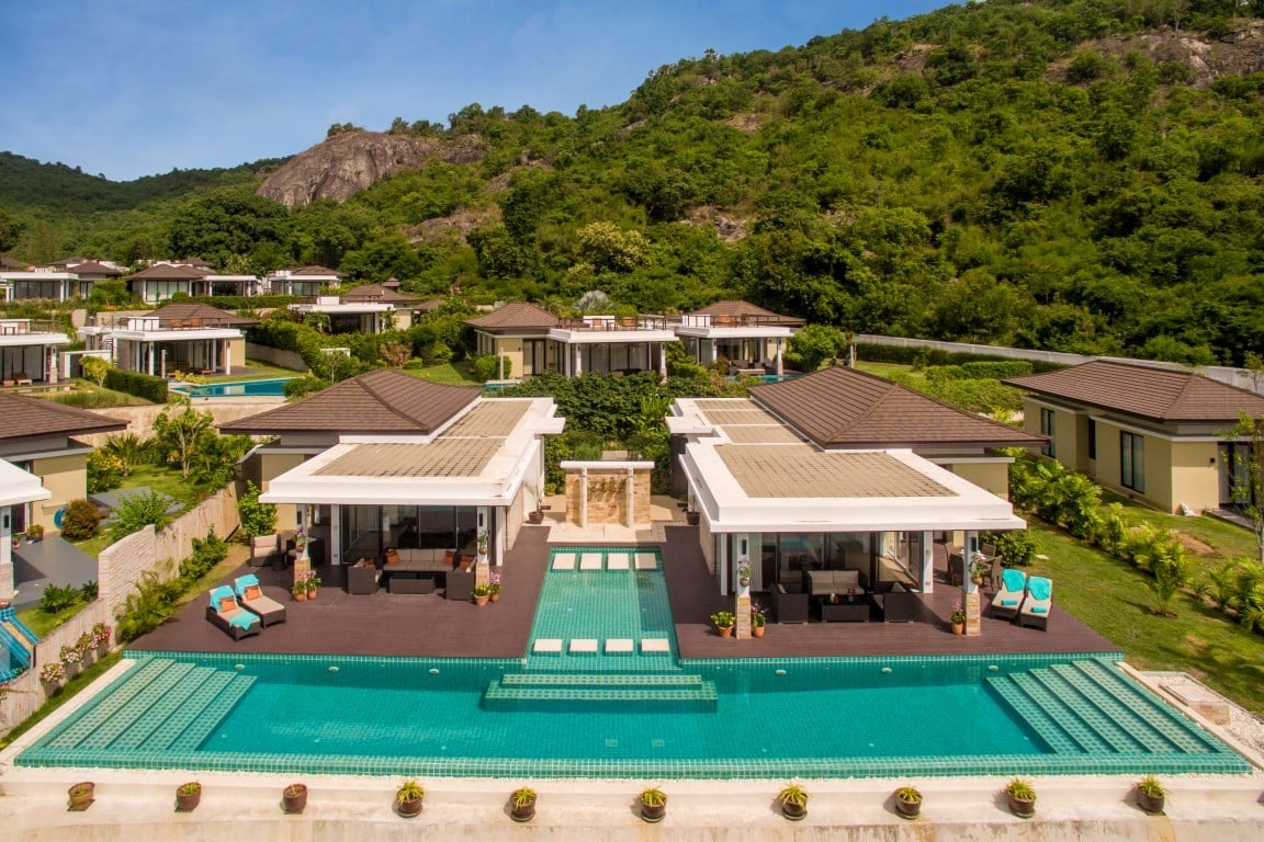 Stylish Dual 5-Bedroom Villa in Hua Hin at The Spirit Resort