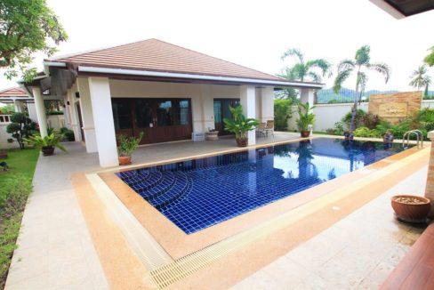 01 Thai Bali Style Villa