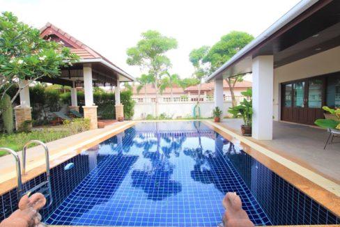 03 Large swimming pool