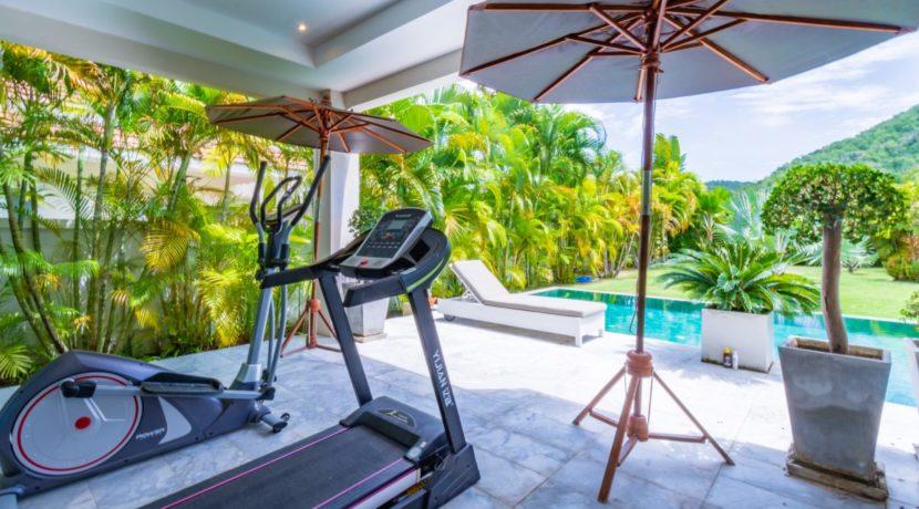 06 Fitness equipment next to master bedroom