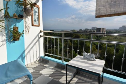 12 Topfloor balcony (2-Bed unit)