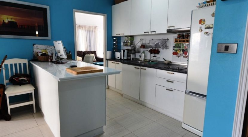 20 Fully fitted open kitchen (2-Bed unit)