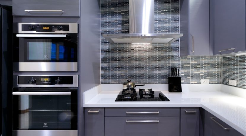 22 Fully fitted European style kitchen