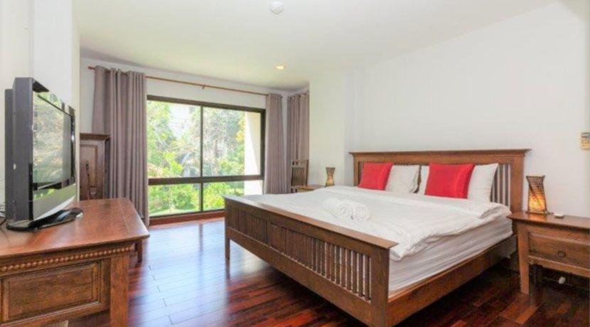 30 Spacious bedroom #1