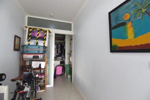 32 Walkin closet (2-Bed unit)