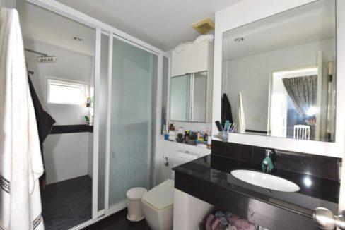 35 Ensuite master bedroom (2-Bed unit)