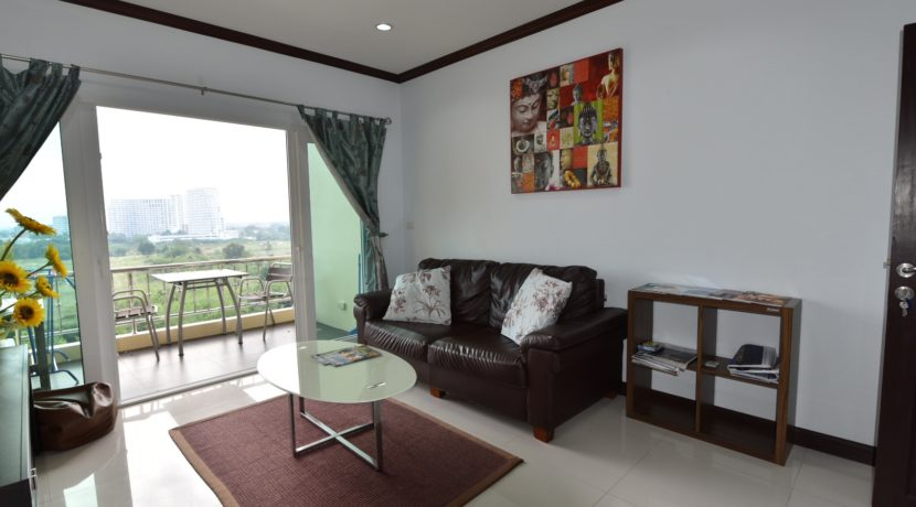 50 Large living room with exit to balcony (1-Bed unit)