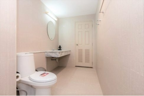 55 Encuite bathroom #3