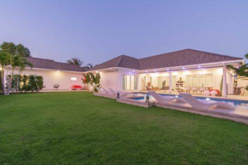 70 Villa night illuminated