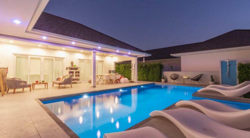 72 Villa night illuminated