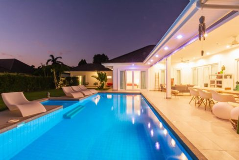 73 Villa night illuminated
