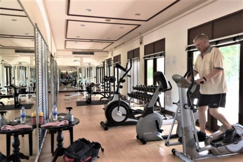 86 Palm Hills Sports Club fitness center