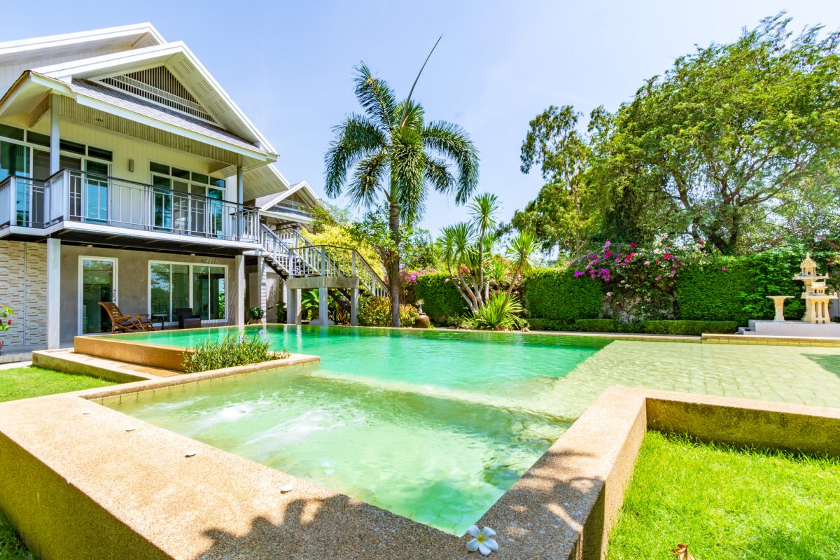 Outstanding Modern Villa in Hua Hin near Town & Beaches