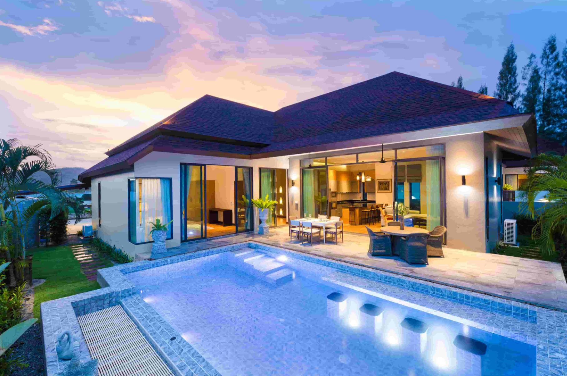 Showhouse Luxury Villa in Hua Hin Near Black Mountain