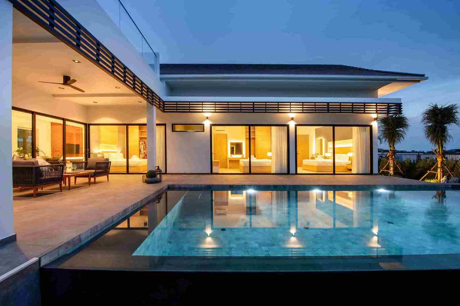 Brand-new Luxury Villa in Hua Hin near Sea & Golf