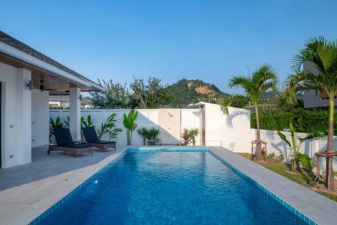 05A 32 sqm large swimming pool