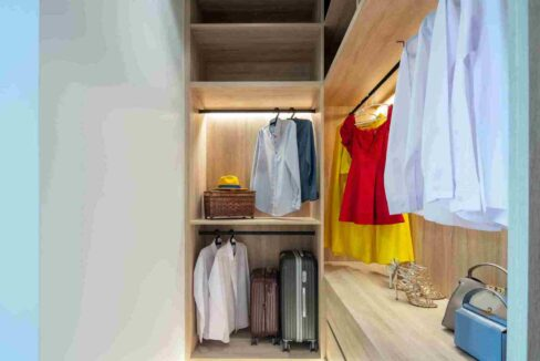 31 Walkin wardrobes