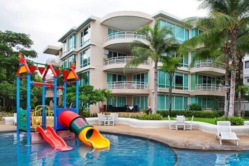 01 Baan Sanploen Condominium