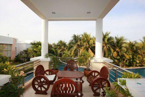 02 Spacious Balcony with lagoon view