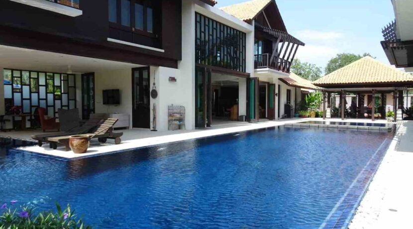 03 Palm Hills Thai-Bali Villa