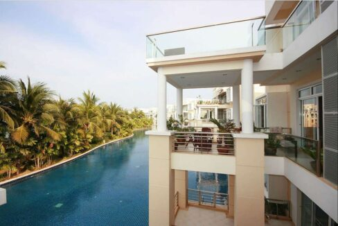 03 Spacious Balcony with lagoon view