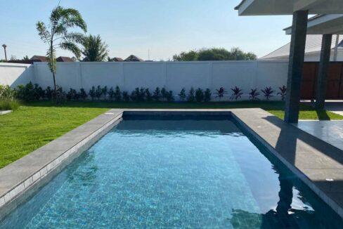 06 36 sqm large swimming pool