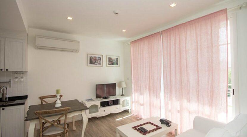 11 Living-dining room