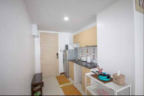 25 Kitchenette at the entry