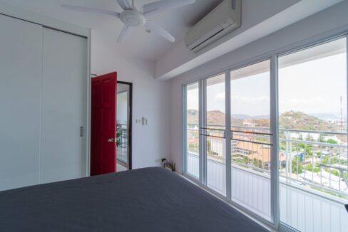 31B Spacious master bedroom