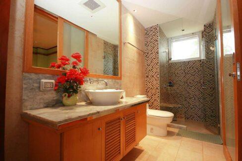 45 Ensuite bathroom#2